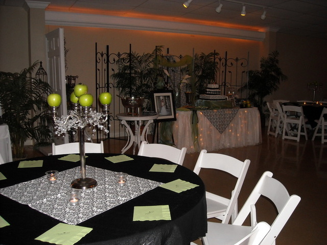 Garden Disctrict reception - Orange wedding reception - SETX wedding reception