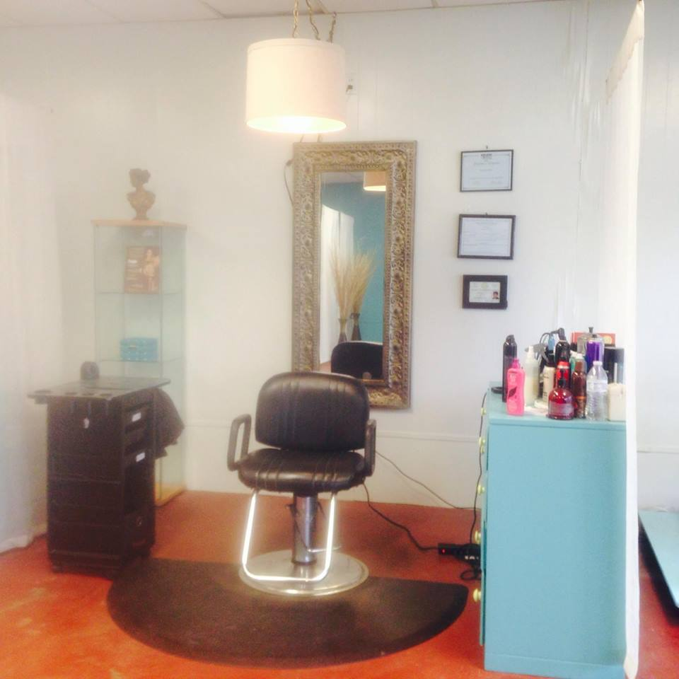 Karry & Co Kountze Salon a
