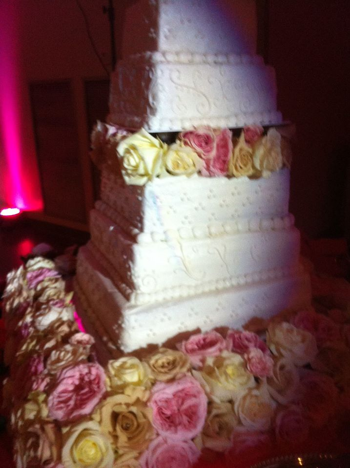 K&K SETX wedding cake