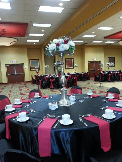 Holiday Inn Beaumont wedding venue, Holiday Inn Southeast Texas wedding reception venue, wedding planning Beaumont Tx, wedding caterer Beaumont Tx, catering Beaumont TX, bridal fair Beaumont TX