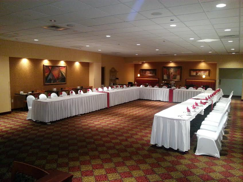 Planning A Big Southeast Texas Wedding The Holiday Inn Amp Suites Beaumont Plaza Has The Largest