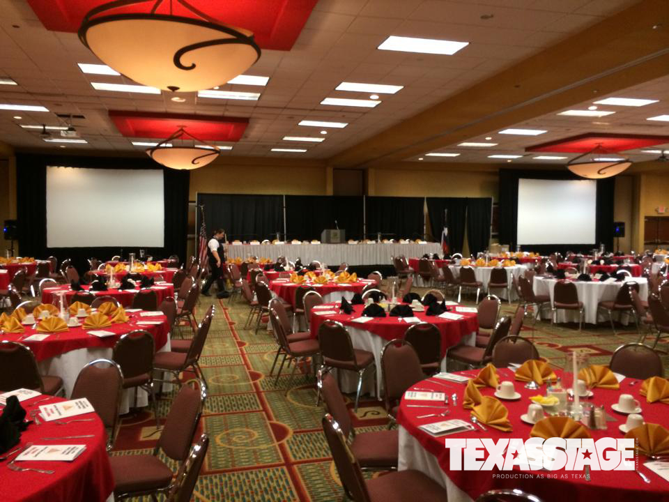 texas-stage-beaumont-wedding-table-and-chair-rental