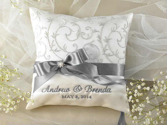 embroidery Beauumont TX, wedding planning Southeast Texas, wedding gifts Beaumont TX, bridal embroidery SETX