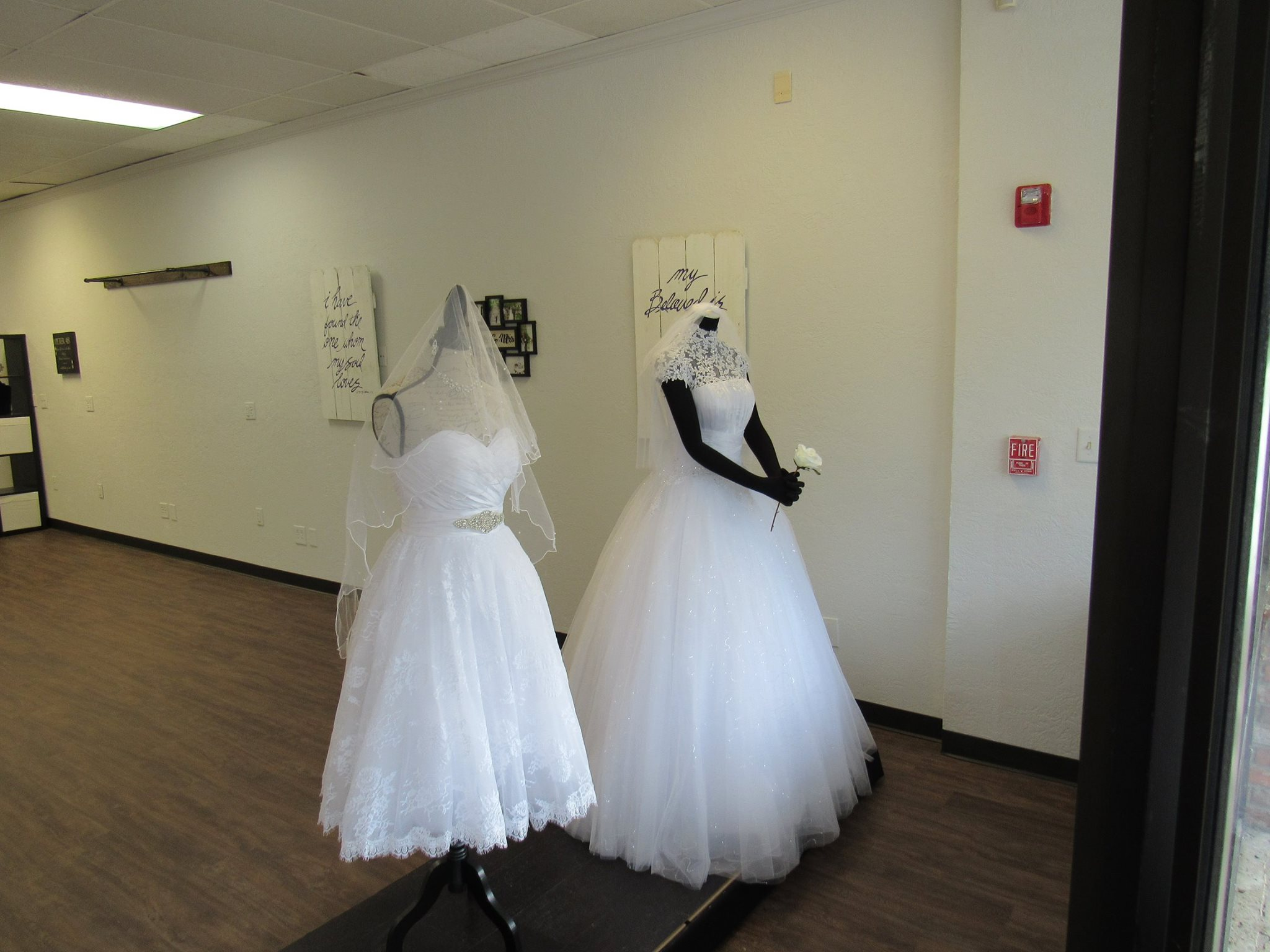bridal gallery Beauont TX, wedding dress Southeast Texas, wedding dress Vidor, bridal gown Orange TX