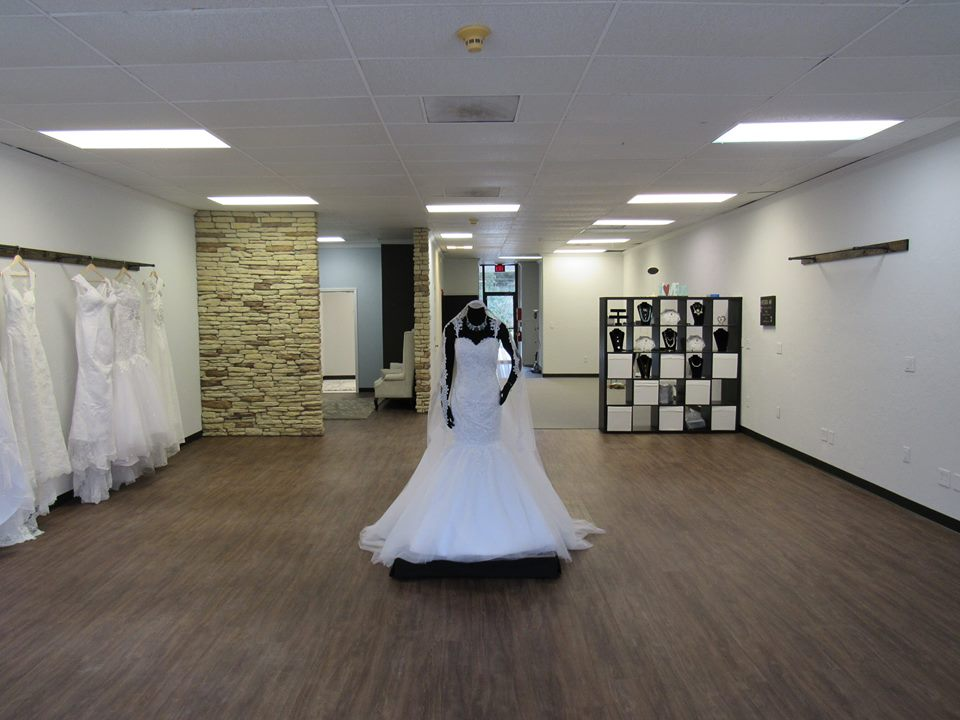 Proposal to paradise custom handmade wedding dresses in for Wedding dresses beaumont tx