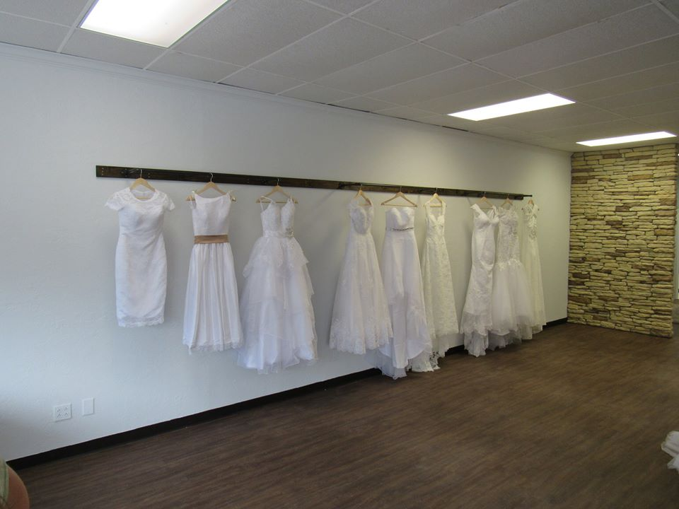 bridal boutique Beaumont, wedding dress Beaumont TX, bridal gown Vidor, wedding dress Orange TX, veil Beaumont TX, wedding jewelry Southeast Texas